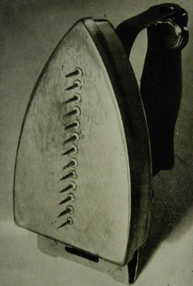 Man_Ray-Cadeau_replica_1958