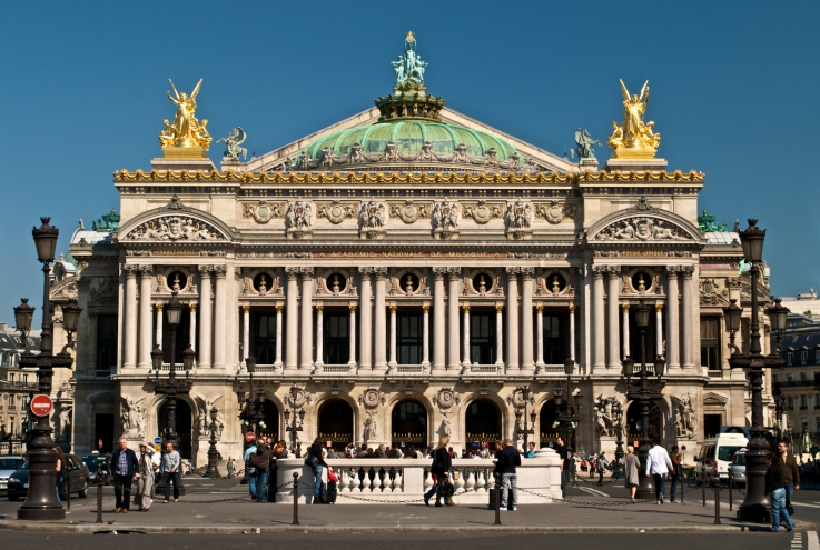 Paris_Opera_full_frontal