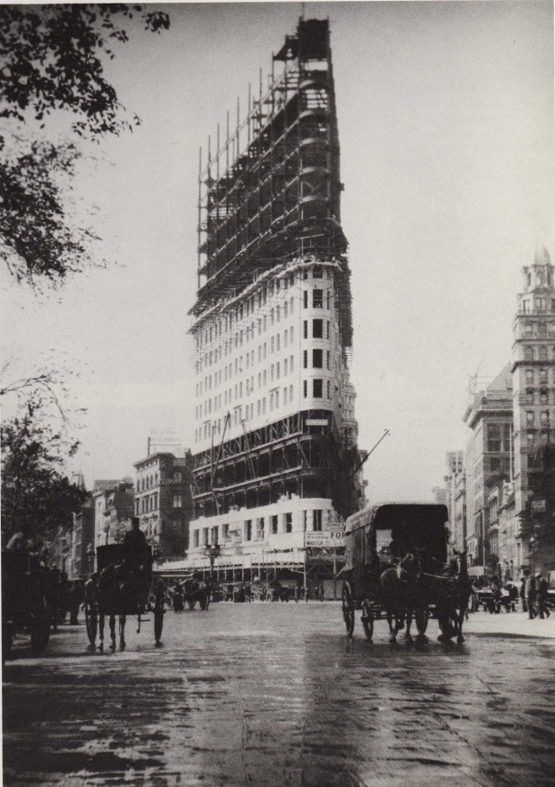 the flatiron building under construction june 1901